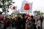 """일본 네티즌들, """"한국인들이 들어준 일본 국기에 감동했다"""""""