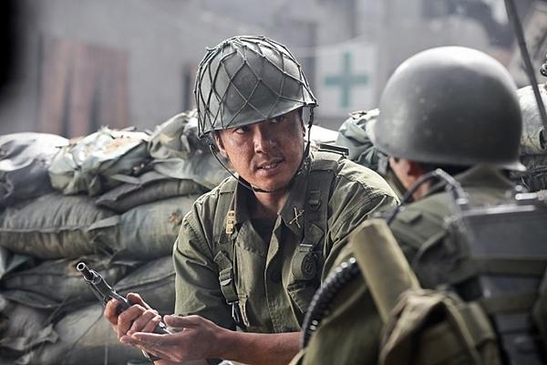 한국군은 6.25 전쟁을 거치며 반공 군대로 완전히 새롭게 태어났다. 사진=포화속으로 스틸컷.