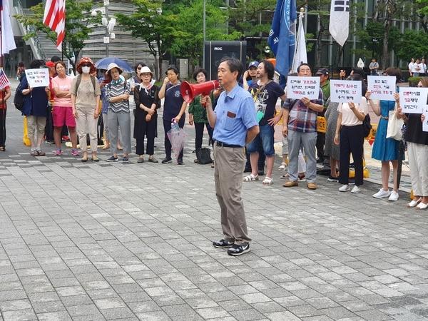 """▲ 이인철 변호사는 """"언론이 특정한 목적을 위해서 취재행위를 이용하는 것은 문제""""라며 """"(MBC의 취재 행위는) '반일 종족주의'의 내용 자체를 억압하려는 수단으로 (사용)됐다""""고 질타했다."""