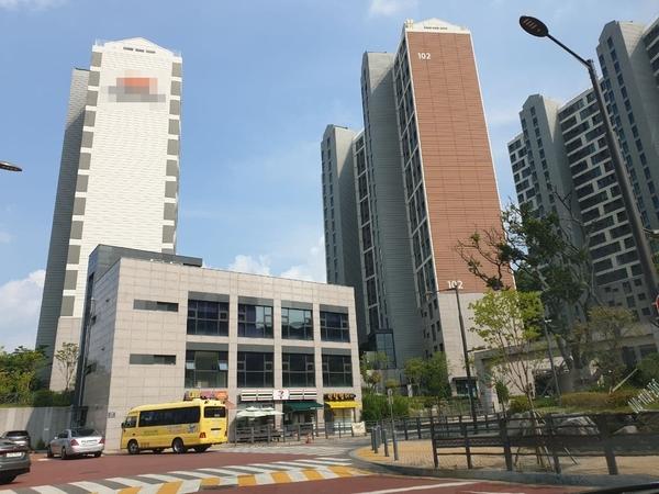 태블릿의 실사용자 김한수가 살고있는 경기도 광주시의 한 아파트 전경.